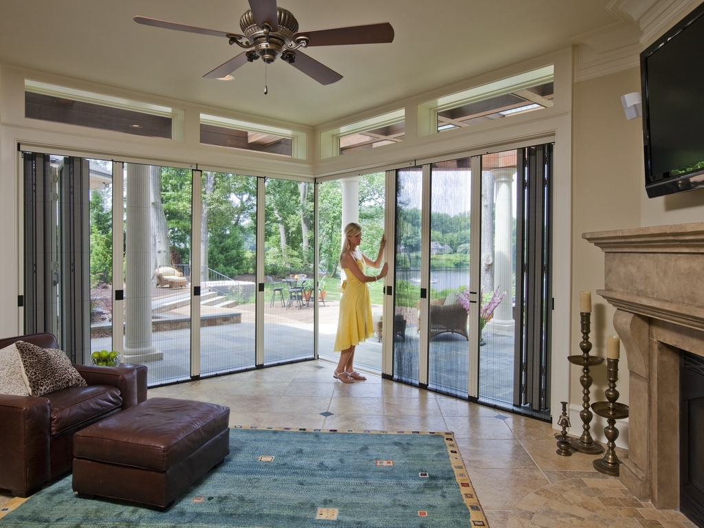 NanaScreen folding door screen system